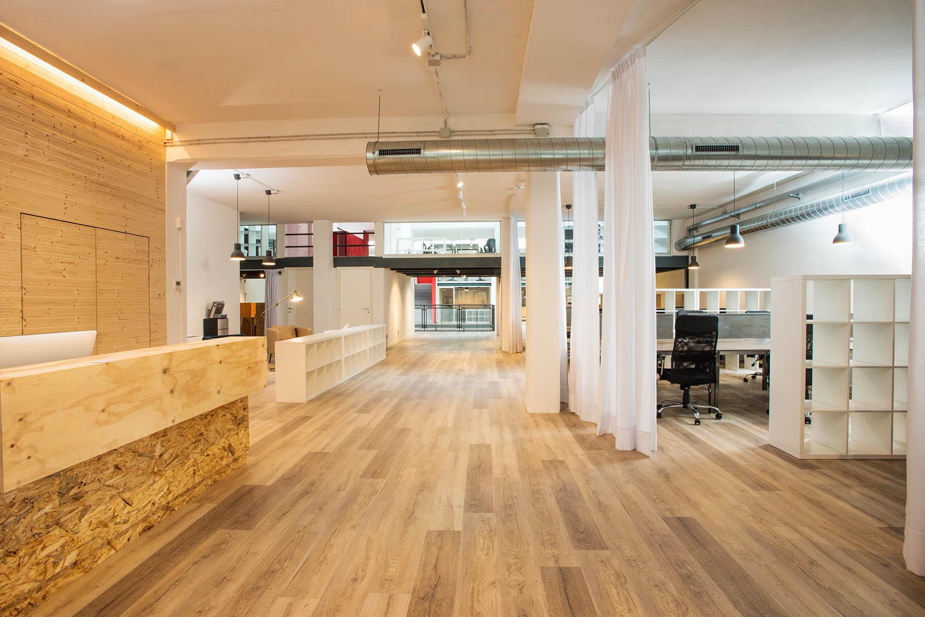 Uffici condivisi milano isola in spazio coworking yoroom for Uffici attrezzati milano